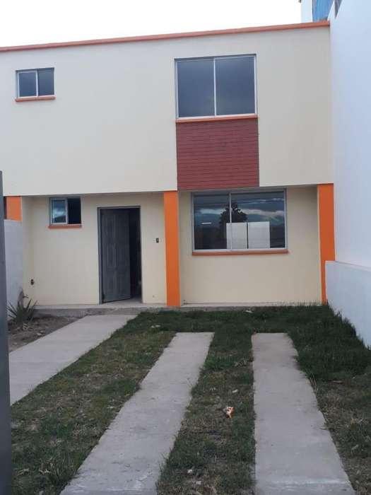 Venta de Casa Sector La Mitad del Mundo/ San Antonio