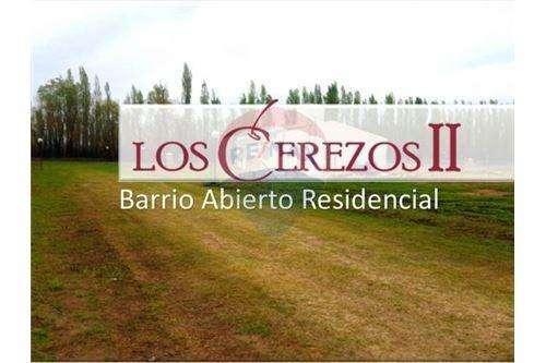 Lote en venta de 356 m2 B Los Cerezos II Plottier