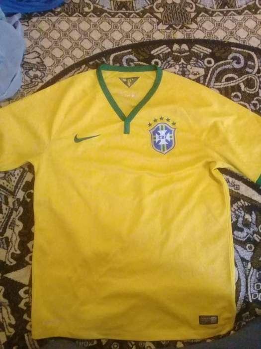 Camiseta Brazil (precio Charlable)