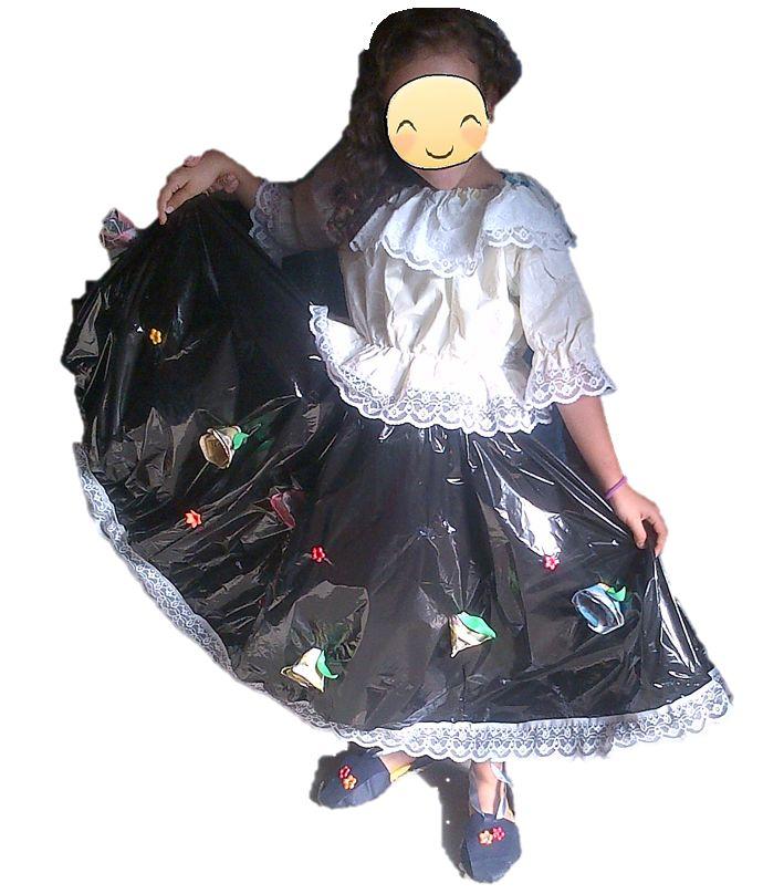 Se Realizan Disfraces CON Reciclaje