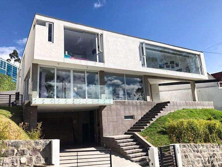 en venta casa 402 metros cuadrados 3 habitaciones en <strong>campo</strong> alegre, quito