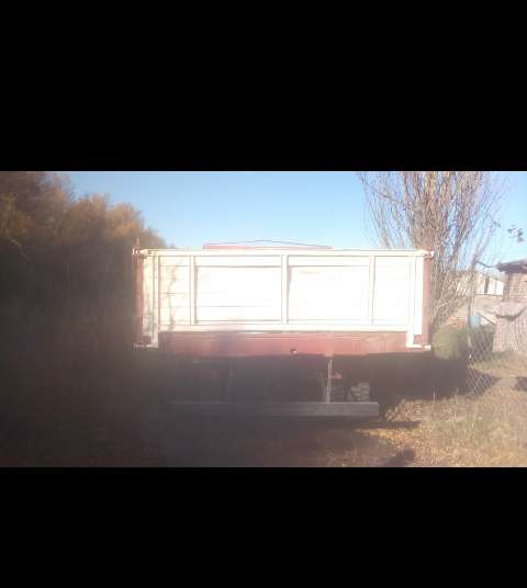 Camion volcador Dodge motor Mercedez benz 911