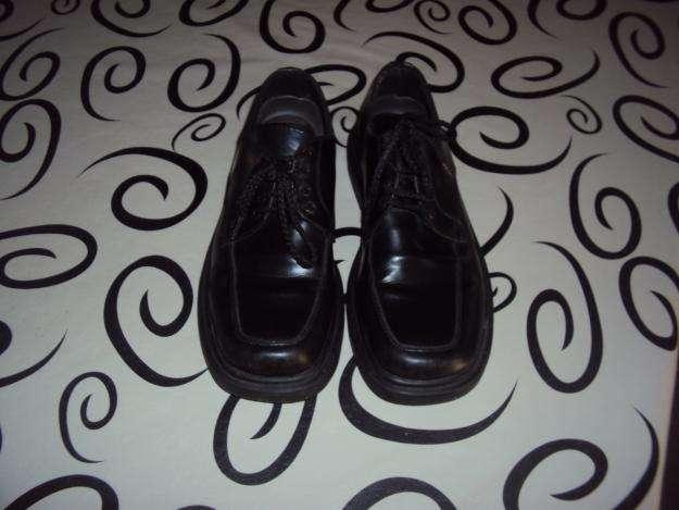 vendo zapatos niño negros