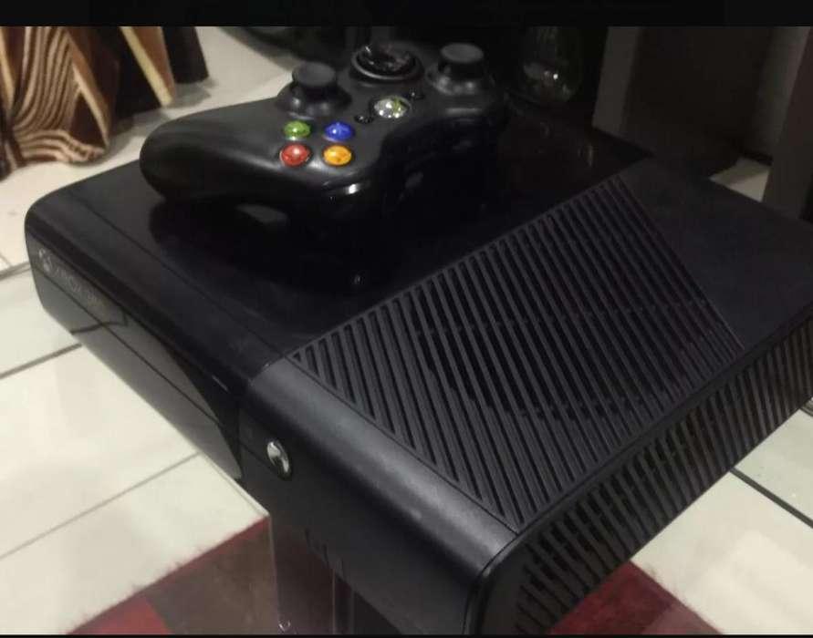 Xbox 360 E Un Control Y 10 Cds Copia
