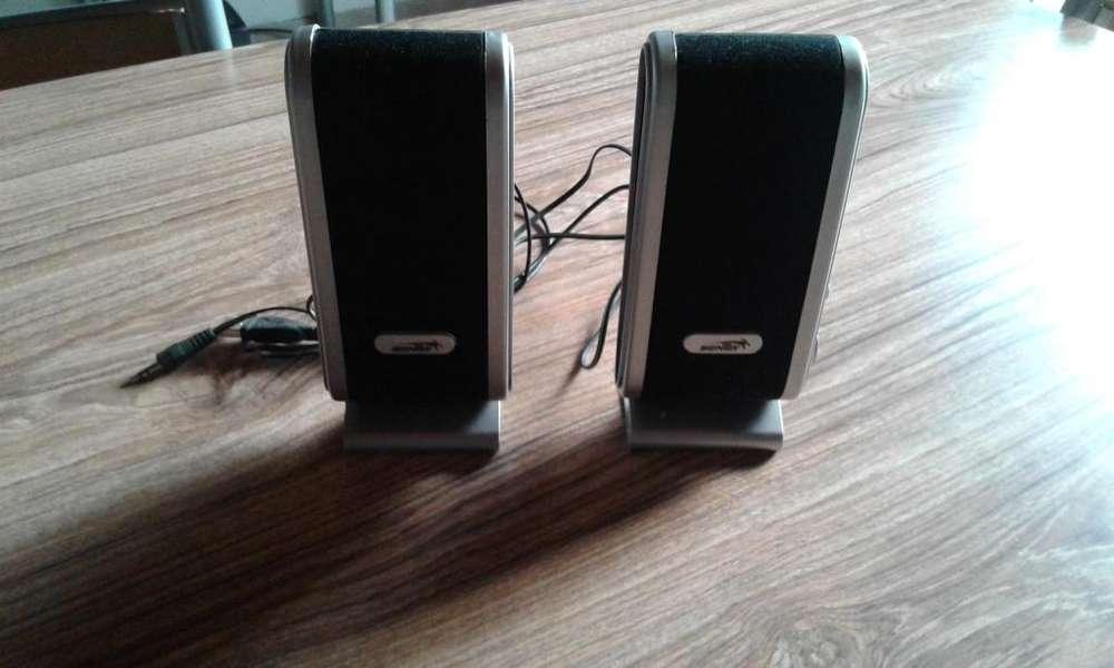 Vendo parlantes Sentey usb modelo msp-303 para pc o notebook