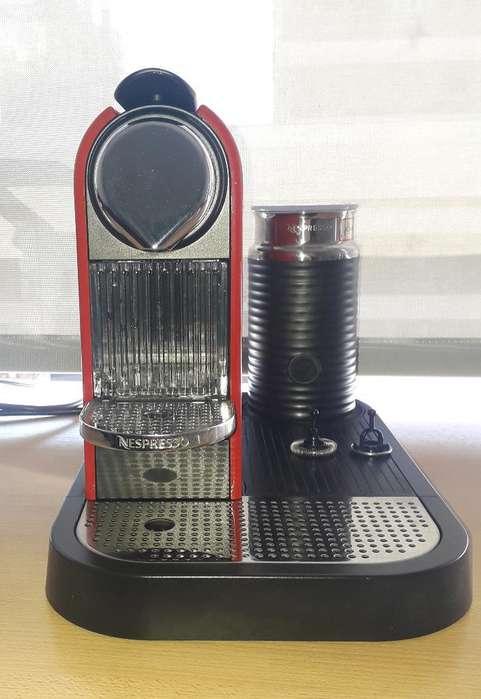 Cafetera Nespresso con Aeroccino