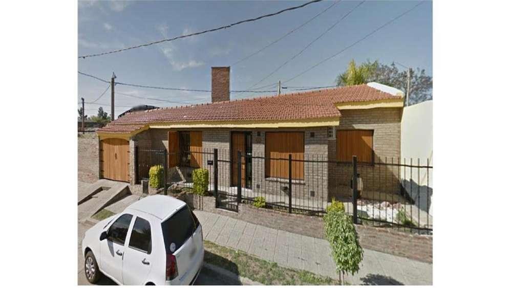 Residencial América, Arequipa 700 - UD 135.000 - Casa en Venta