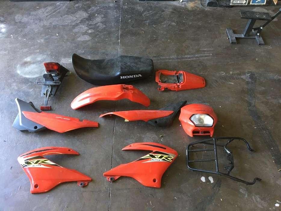 Honda Xr 125 todos los plasticos