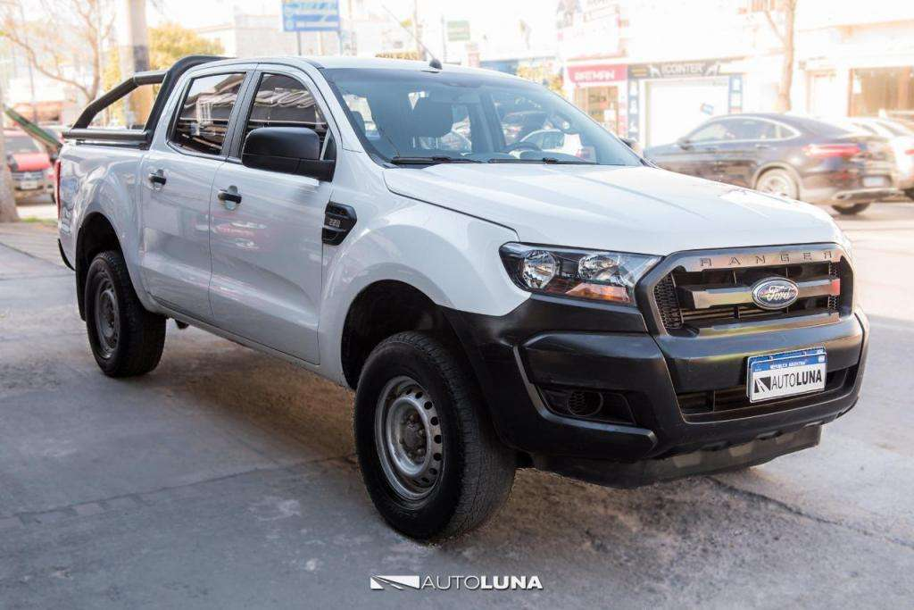 FORD RANGER 2.2D XL SAFETY 4X2 2017 ENTREGA 870000 Y CTAS