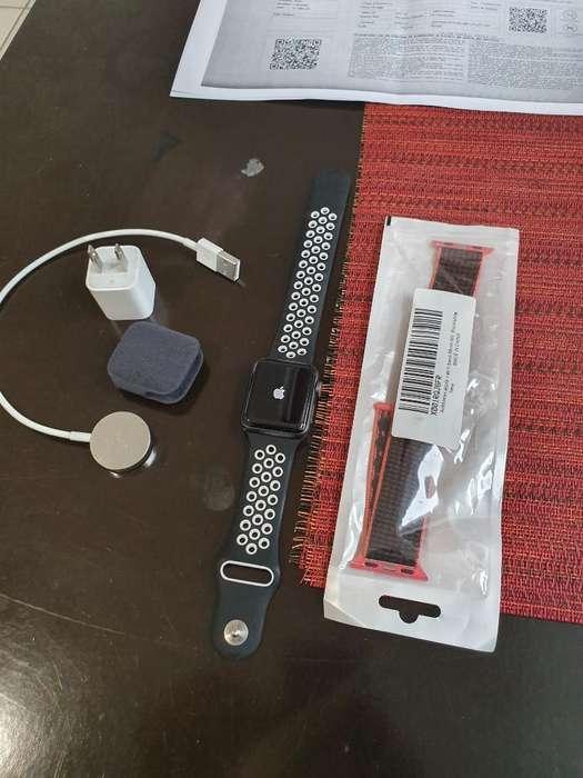 Apple Watch 3 de 38mm Liquido