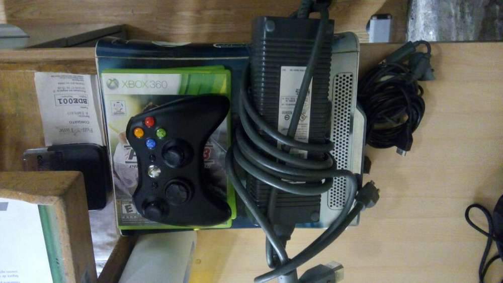 Vendo Xbox 360de 45 Gb
