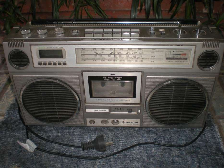 radio grabador hitachi