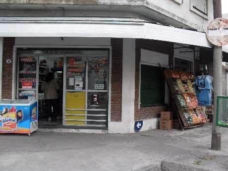 Local en venta en Sarandi Este