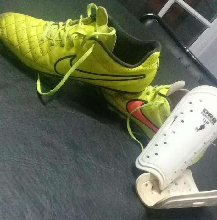 Botines Nike Tempo