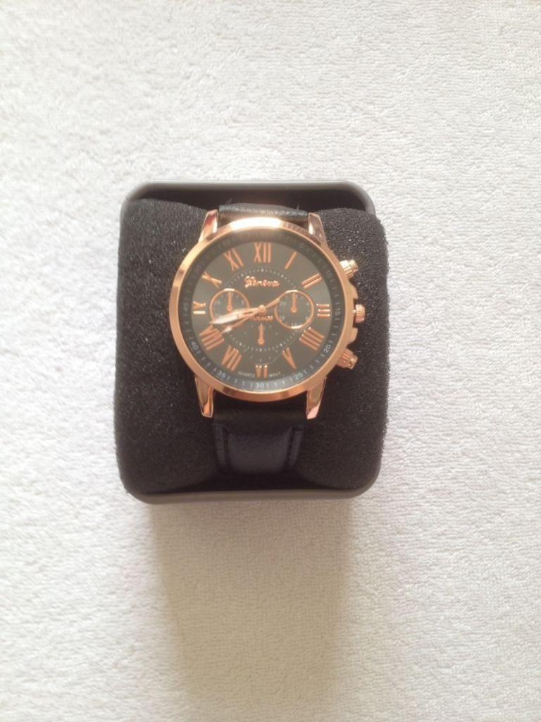 10456e2c0f5e Vendo espectacular reloj de mujer ¡NUEVO! - Medellín