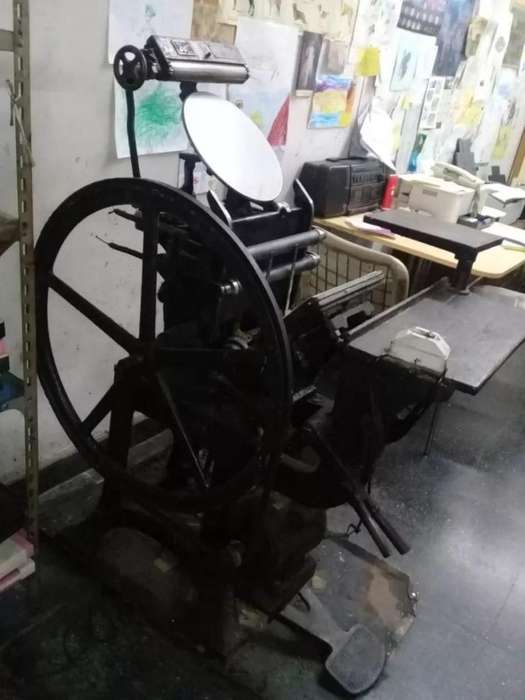 Maquina Tipográfica Minerva