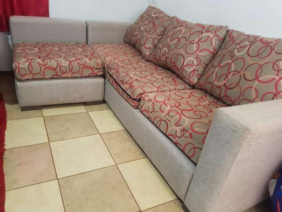 Vendo Sofa de 4 Cuerpos Y Silla Matera