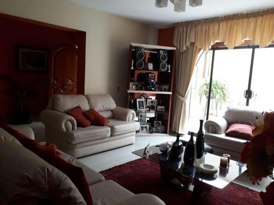 Casa en Venta en Urbanizacion Las Quintanas, Trujillo