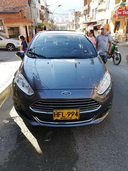 Ford Fiesta  2014 - 63000 km