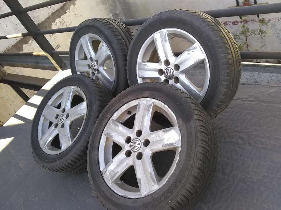 Llantas c/neumáticos 15