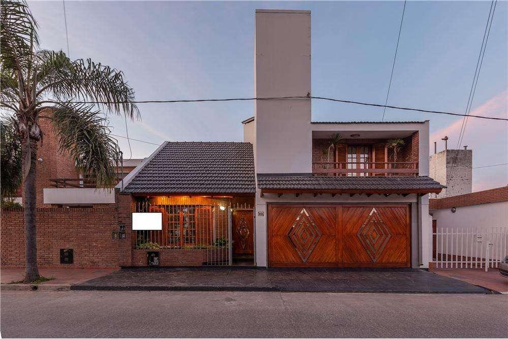 Casa 3 dormitorios departamento , Alto Alberdi