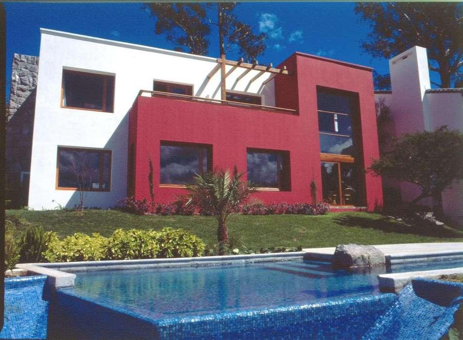 Venta Casa Cumbayá, de diseño especial, en Urbanización exclusiva