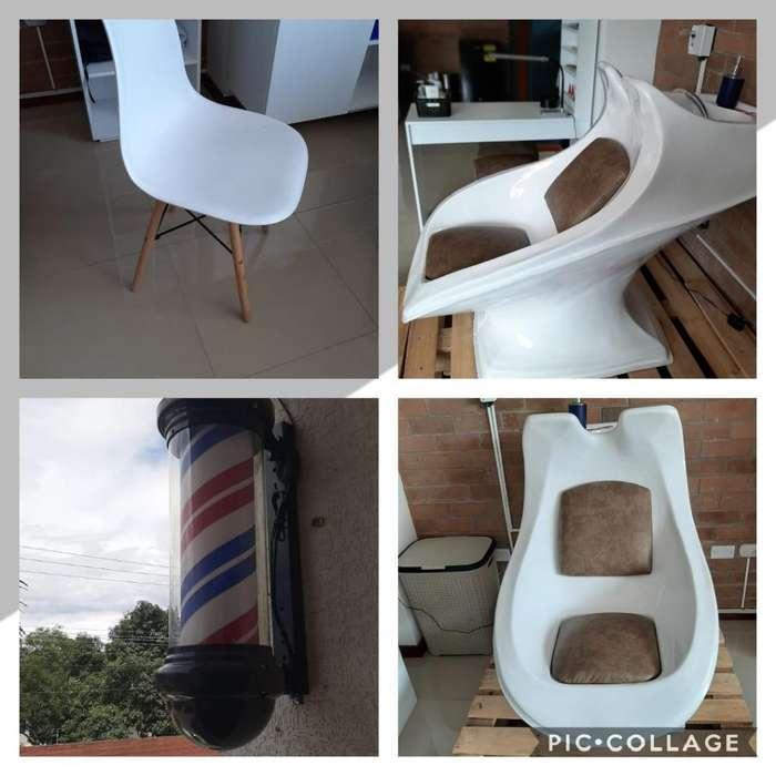 Vendo <strong>mobiliario</strong> E Insumos de Barbería