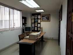 // Amplia Oficina en Arriendo Sector Swisootel