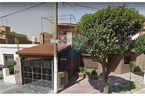 VENTA Casa barrio Artigas Zona Sur.-