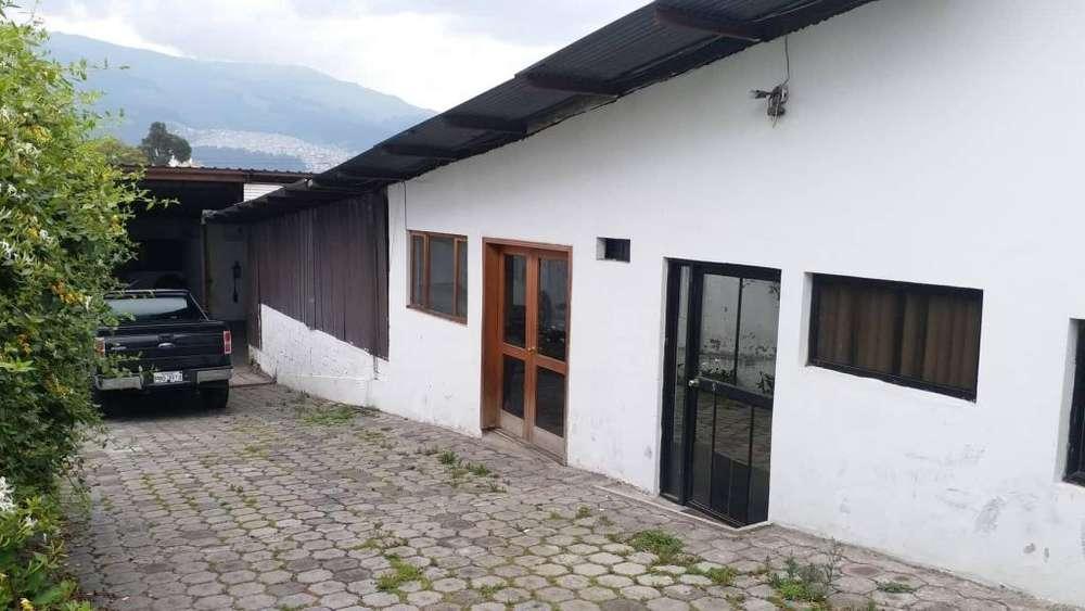 Arriendo patio mecánica terreno sector california alta 6 de diciembre Eloy alfaro norte de Quito sector comite