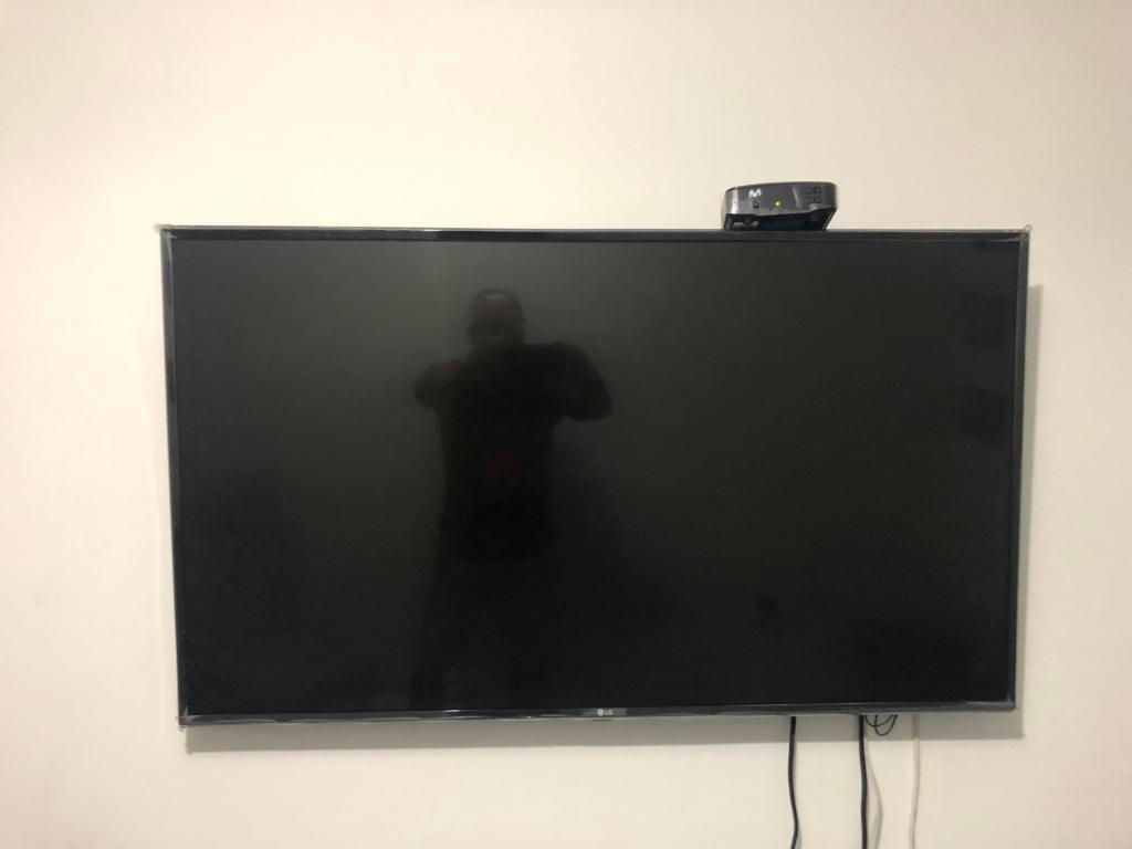 Televisor LG smart tv 49