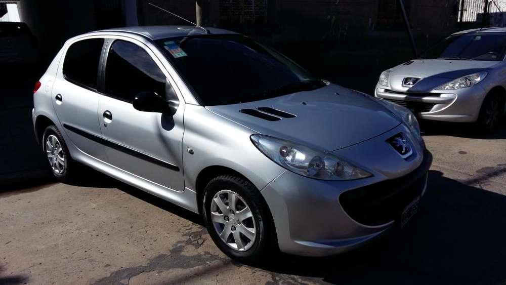 Peugeot 207 2010 - 95000 km