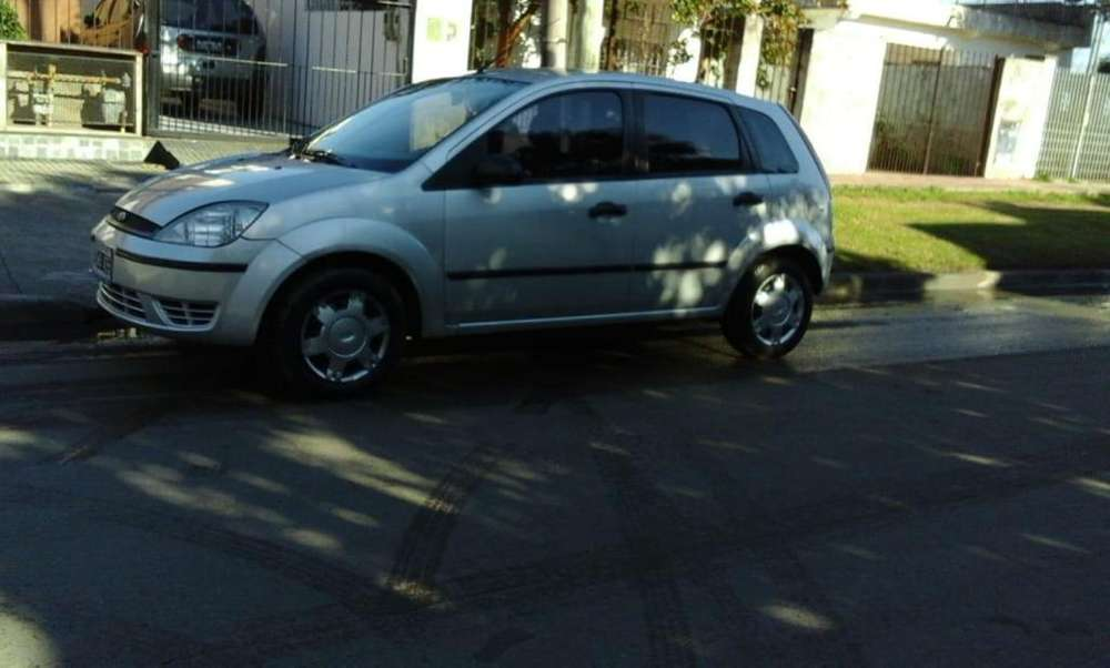 Ford Fiesta  2005 - 175000 km
