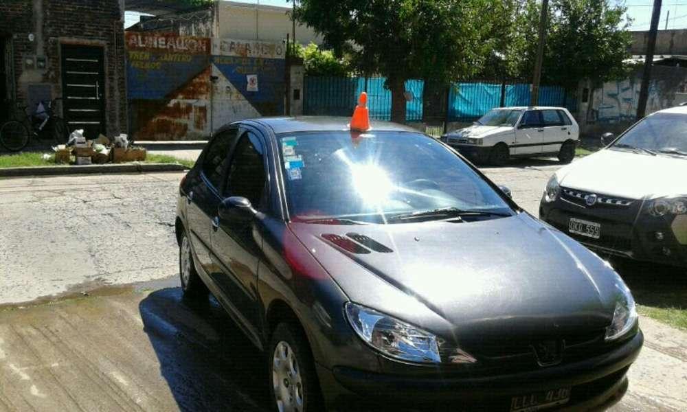 Peugeot 206 2012 - 79000 km