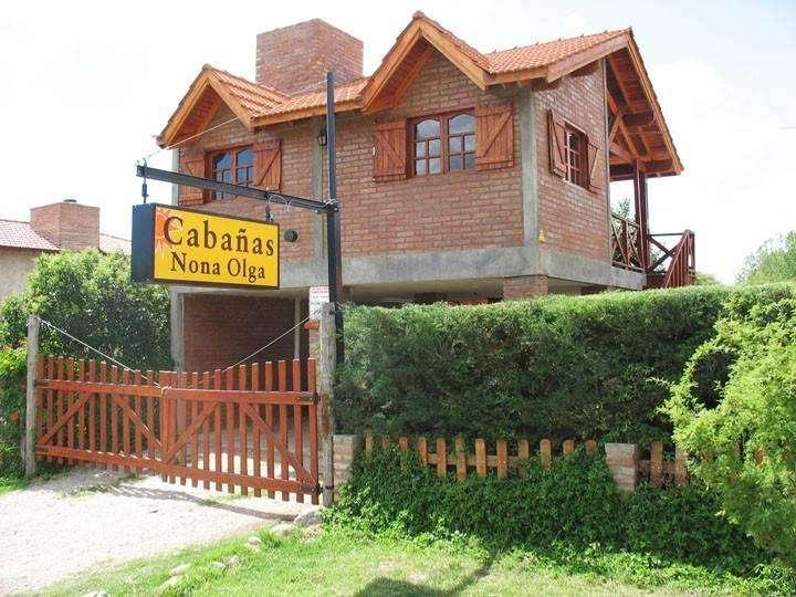 mh70 - Cabaña para 2 a 8 personas con pileta y cochera en Villa De Merlo