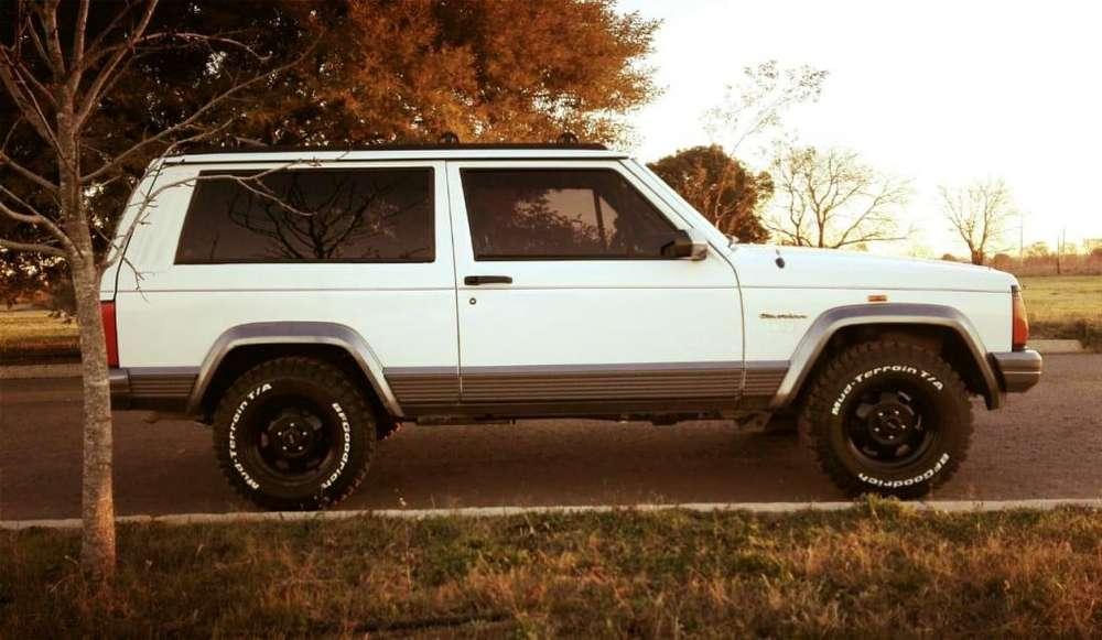 JEEP Cherokee 1994 - 48000 km