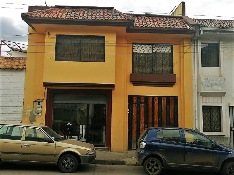 En VENTA Casa con Local Comercial, en el centro de Cuenca, cerca al parque de la Libertad