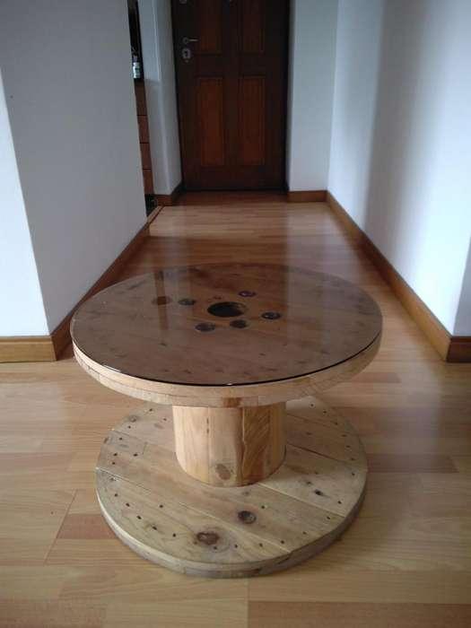 Mesa de centro en forma de carreta