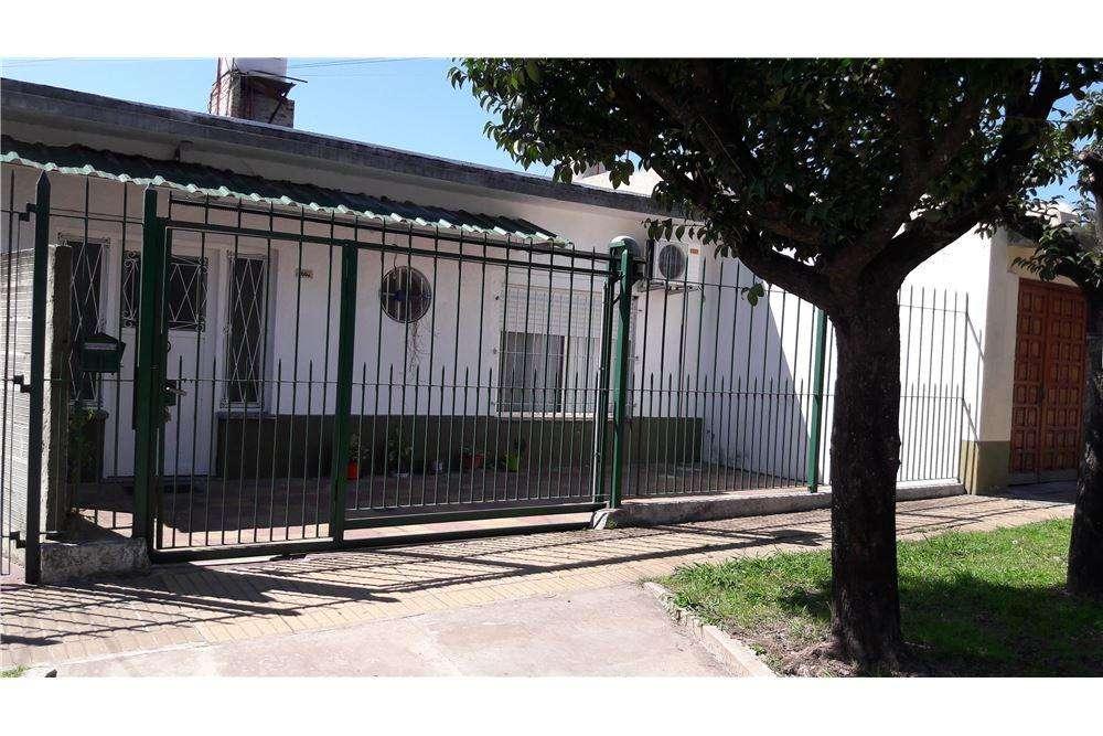 Casa Quilmes Oeste.C/cochera.Apto crédito Procrear