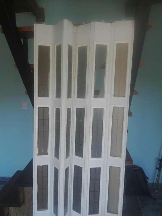 Vendo Puerta Plegable