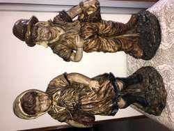 escultura pareja de niños
