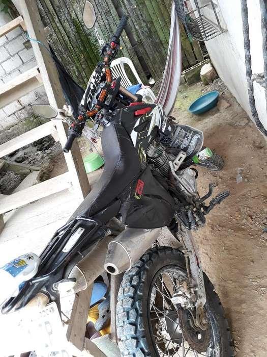 Moto 250 Axon