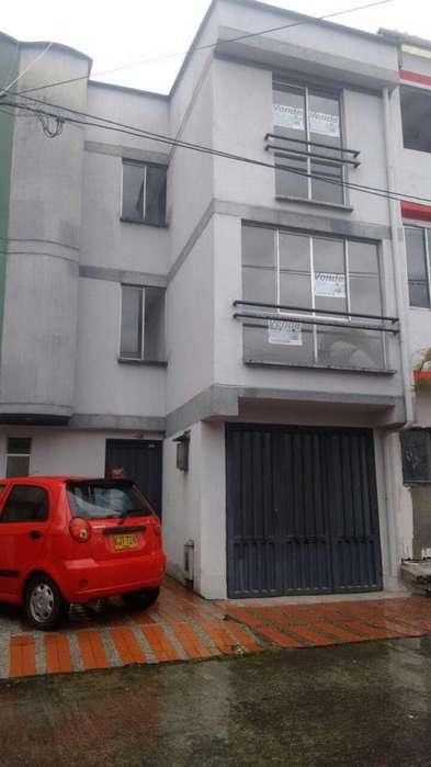 Venta de Casa en el Poblado II, Pereira - wasi_601108
