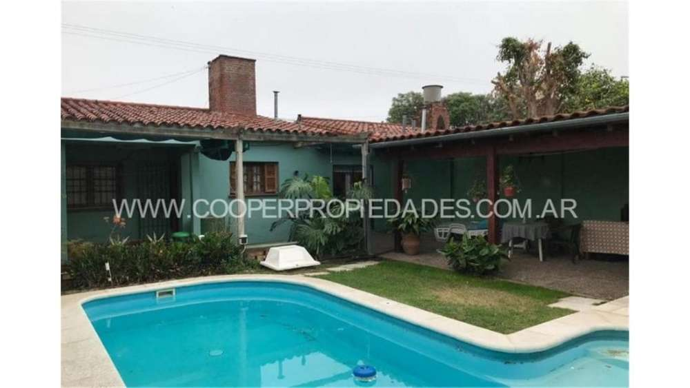 Bernis 3400 - UD 95.000 - Casa en Venta