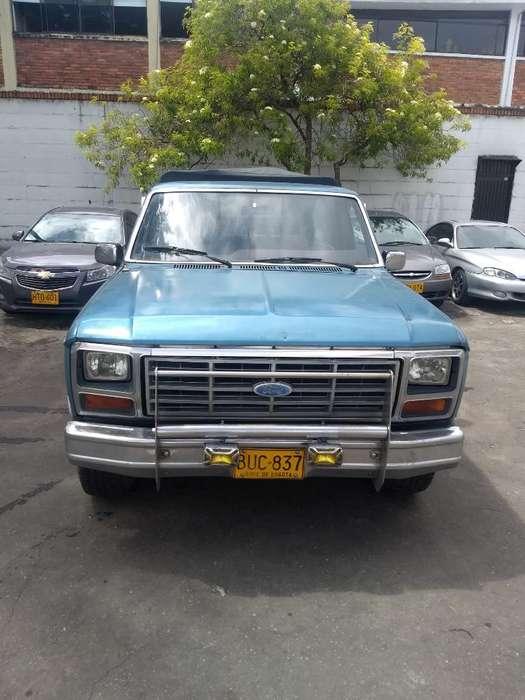 Ford F-150 1983 - 40000 km