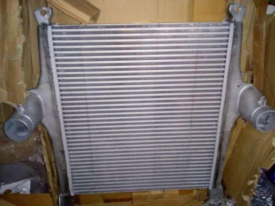 Radidor de Agua Y Intercooler Stralis