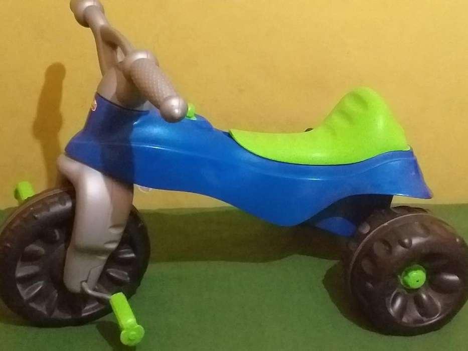 Triciclo Kawasaki Fisher Price Seminuevo