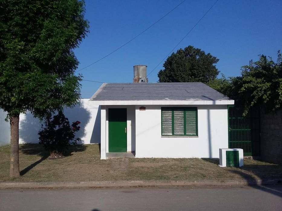 Se vende casa 2 dormitorio B Lamadrid
