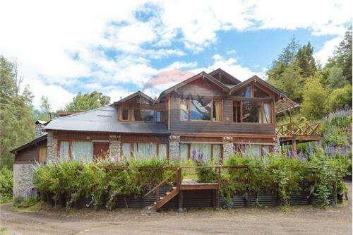 Equipo Remax Cordillera vende depto