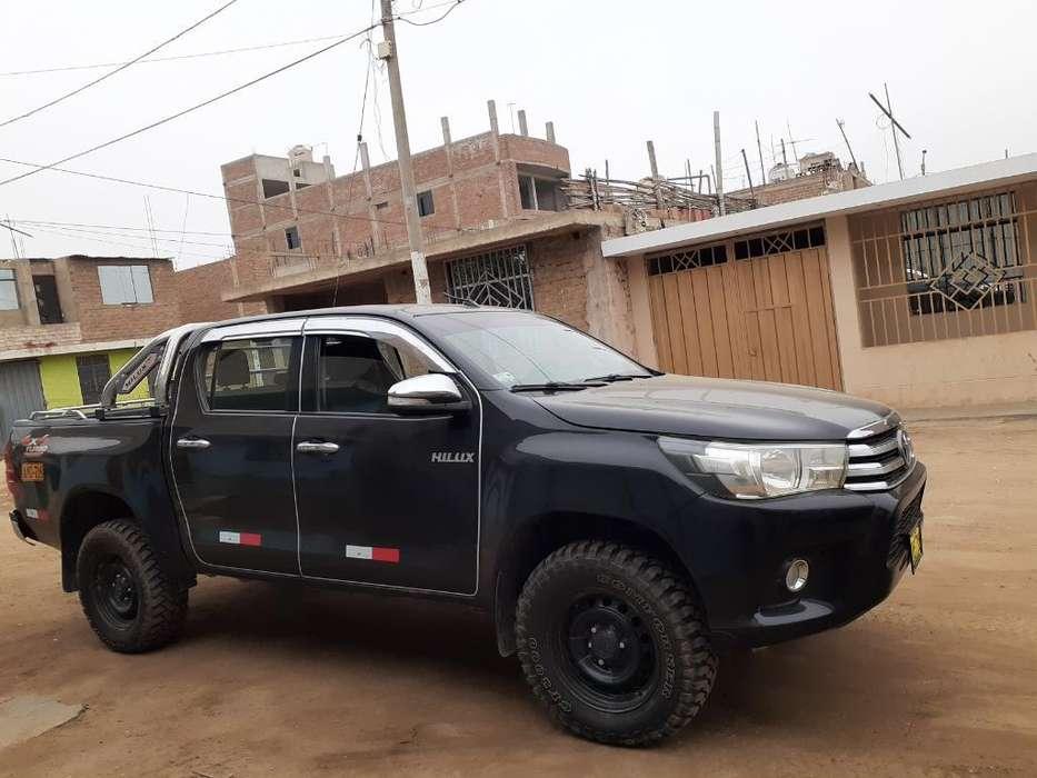 Toyota Hilux 2015 - 95000 km